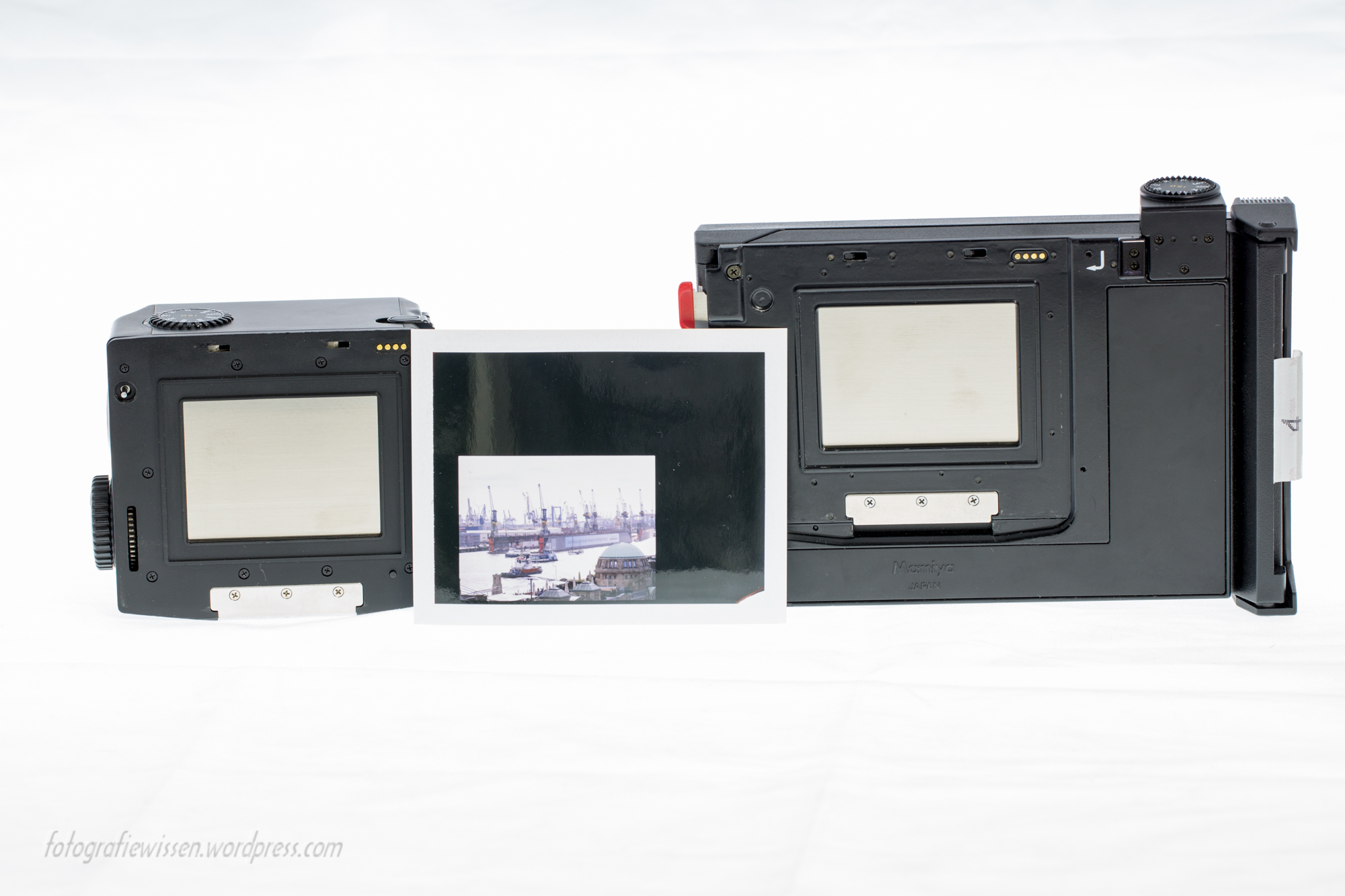 Mamiya 645 PRO TL Polaroid Pack Film Holder HP401 Vergleich