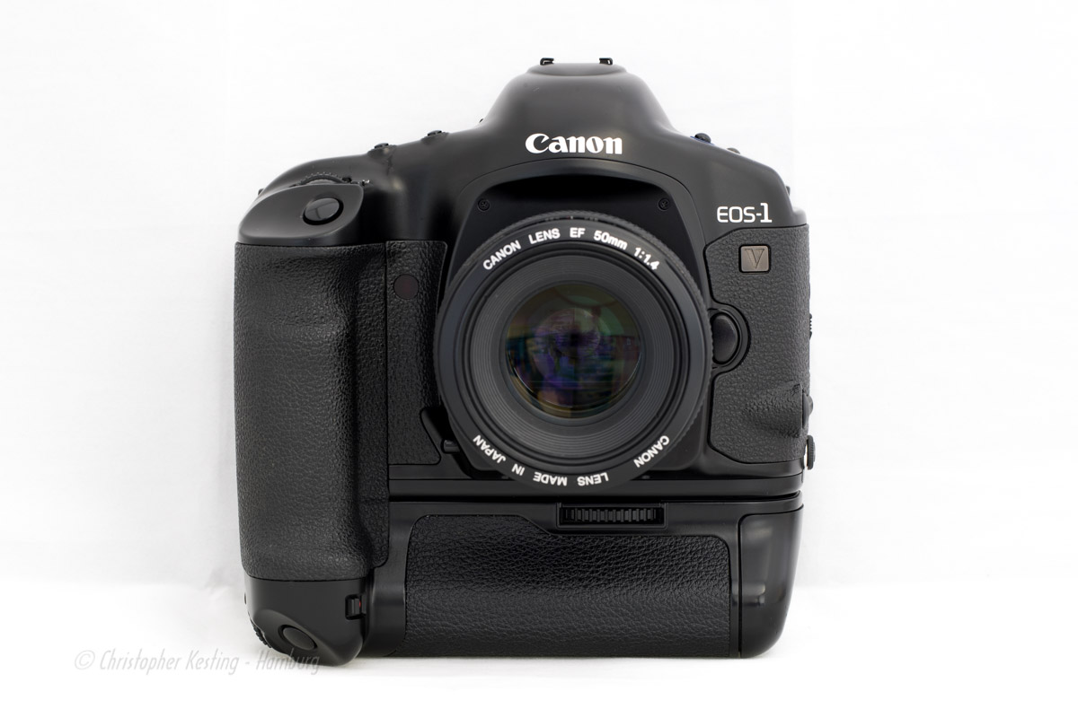 Canon EOS-1V HS - Frontalansicht