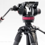 Manfrotto Kurbelsäulenstativ 057 MT057C3-G mit Pro Fluid-Video-Neiger 100 MVH502AH